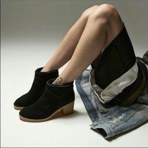 UGG Kasen Ankle Boots